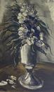 白い花瓶の花束